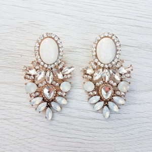 Kate Earrings - Pearly White