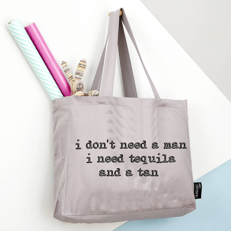 I don't need a man - Grey Tote Bag