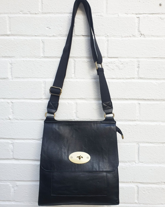 Messenger Bag - Black
