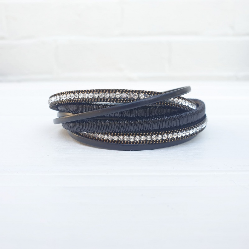 Chic Wrap Bracelet - Black