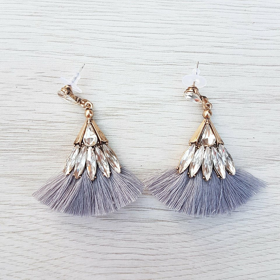 Lily Earrings - Grey